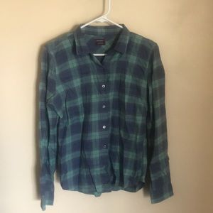 Untuckit Button Up Plaid Blue Green 6